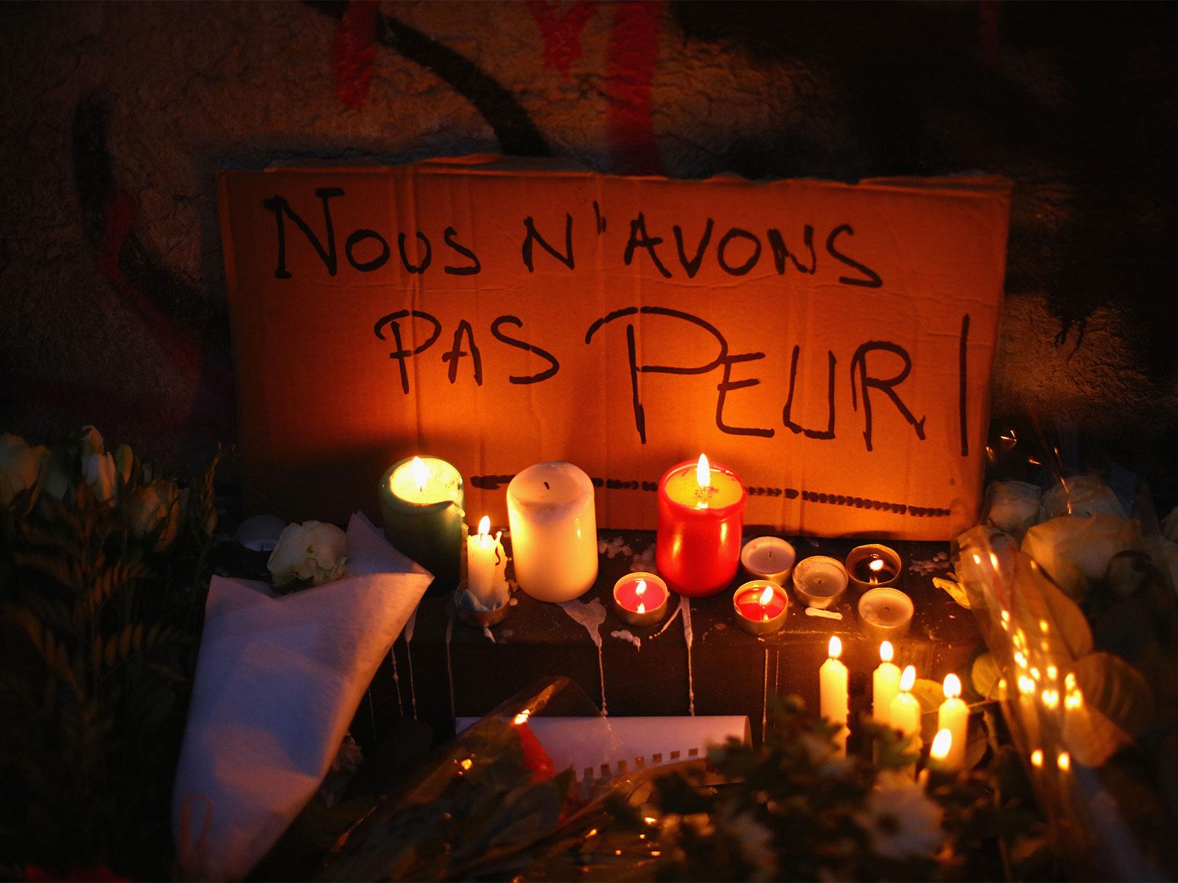 No tenemos miedo, se lee en un cartel en Place République.