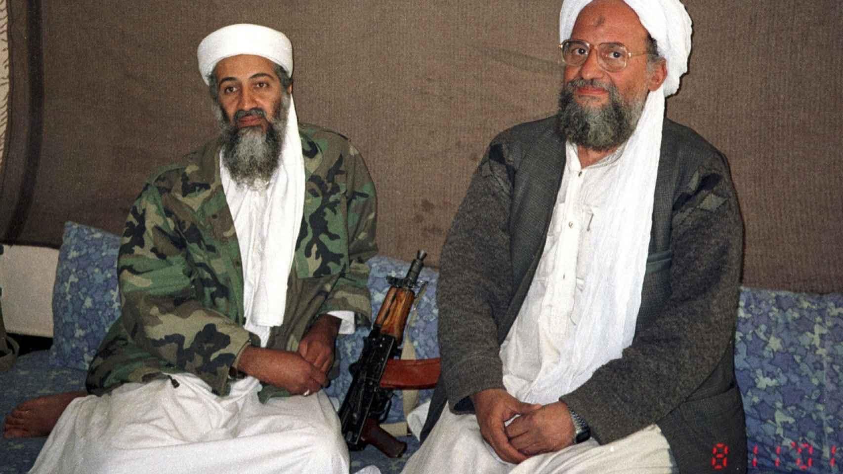 Aymán Al-Zawahirí, junto a Osama Bin Laden.