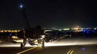 Aviones franceses se preparan para los bombardeos en Raqqa
