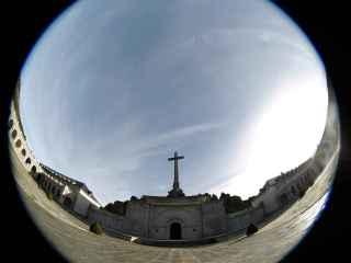 El PSOE propone resignificar el Valle de los Caídos, pero no lo hizo desde el Gobierno.