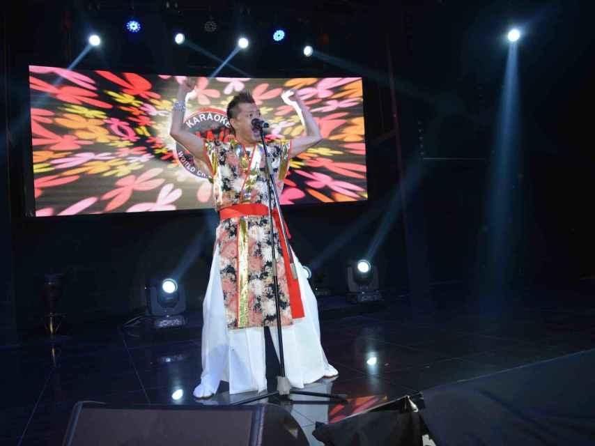El cantante japonés.