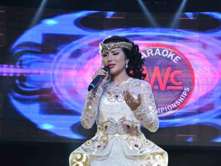 La cantante kazaka.