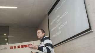 Jou Llorente durante la conferencia Motivación en el liderazgo del futuro