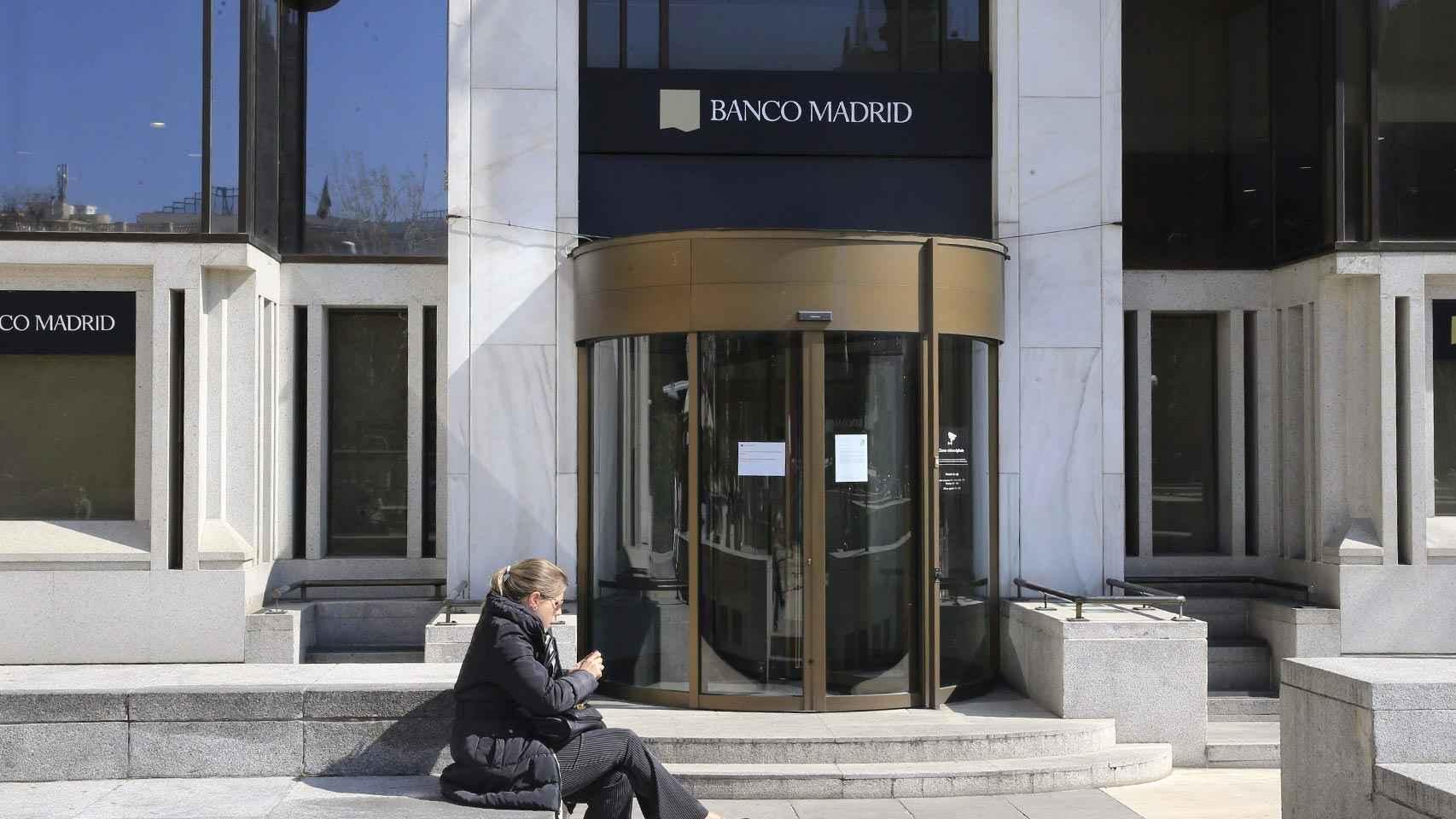 Sede clausurada de Banco Madrid.