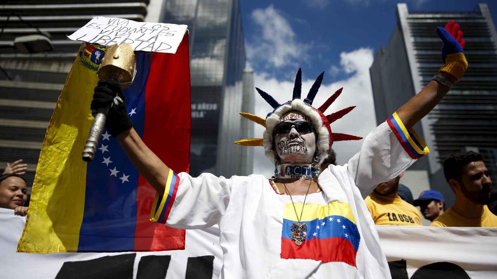 La oposición venezolana se manifiesta de cara a las elecciones del 6 de diciembre.
