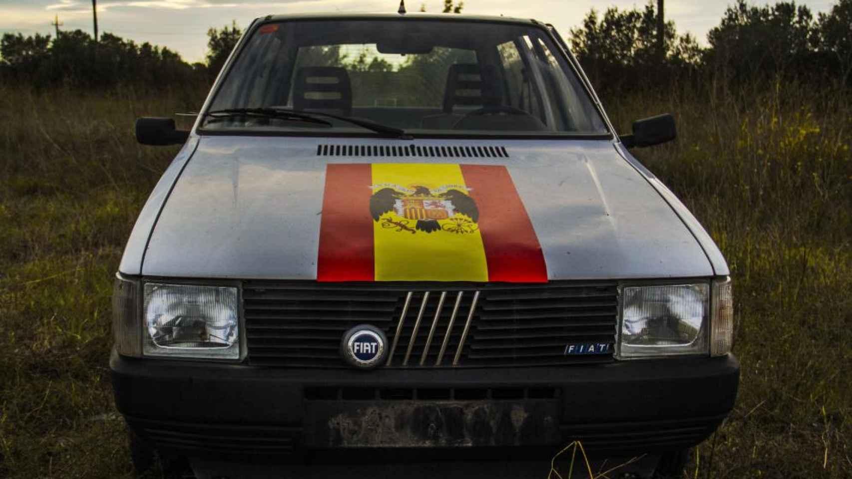 El Fiat Uno franquista de los artistas Núria Güell y Levi Orta, prohibido en Figueres.