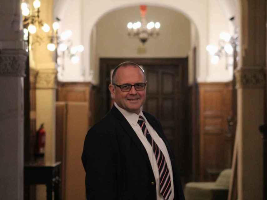 Chris Norman, de 62 años y origen británico, es empresario y consultor.