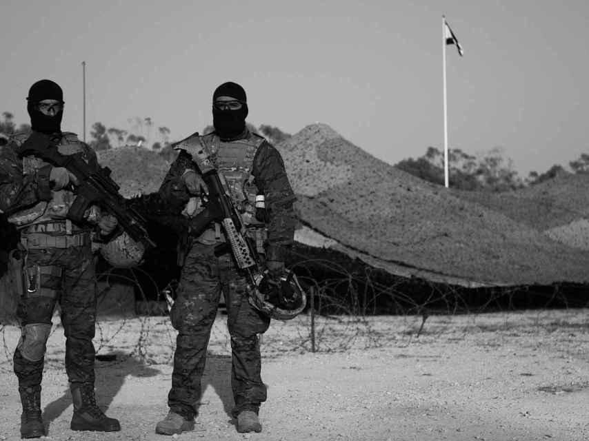 Dos soldados del Mando de Operaciones Especiales.