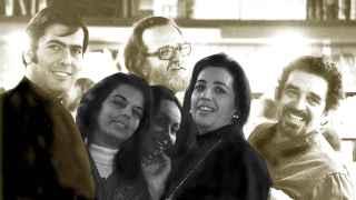 Vargas Llosa con Patricia Llosa, Donoso y su esposa Pilar Serrano, Mercedes Barcha, mujer de Gabo.