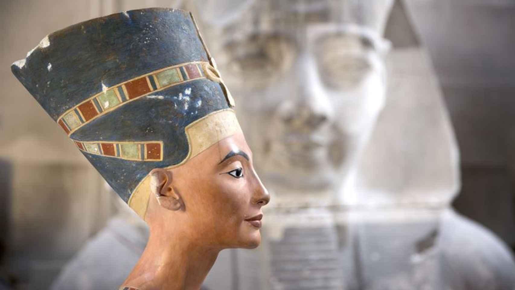 Busto de la diosa egipcia Nefertiti