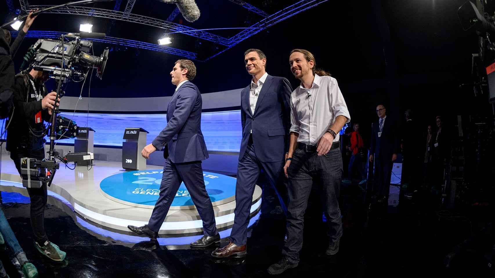Los tres candidatos llegan al debate.