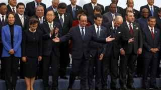 François Hollande posa en la foto de familia en la COP21