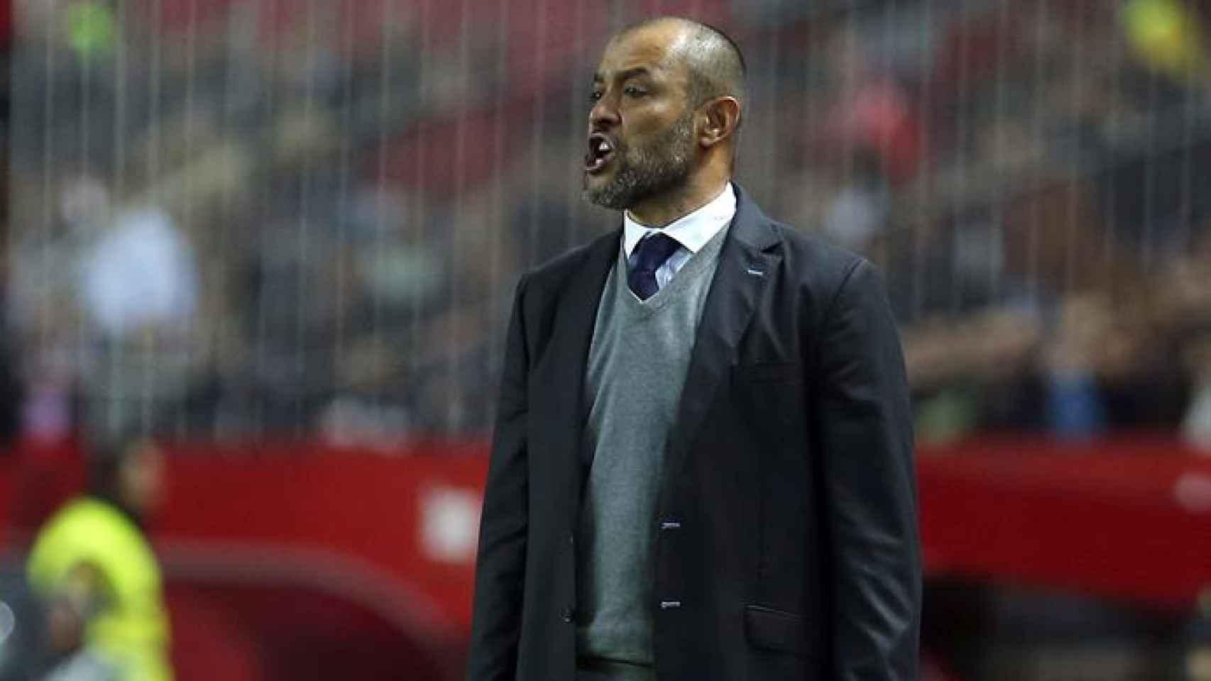 Nuno gesticula durante el partido contra el Sevilla