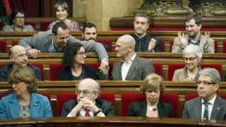Miembros de Junts Pel Sí en la bancada del Parlament