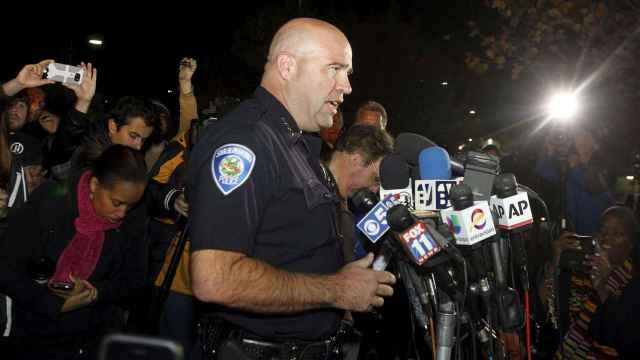 El jefe de Policía Jarrod Burguan atiende a los medios tras el suceso