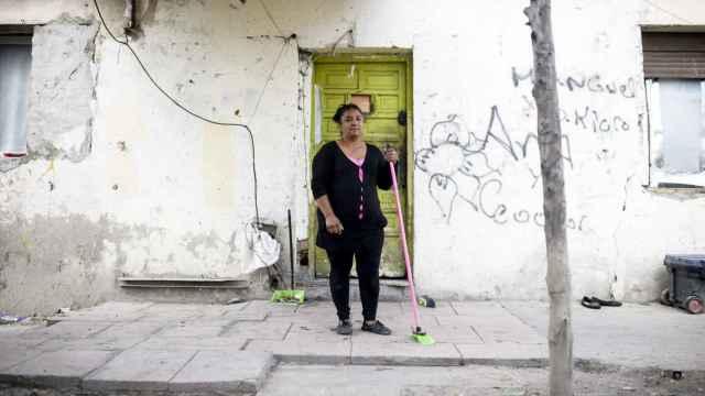 Carmen, vecina del sector VI, denuncia el aislamiento.