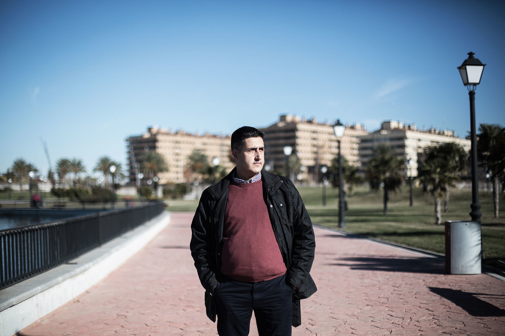 Pedro Sánchez, 39 años. Trabaja como camarero en Madrid.