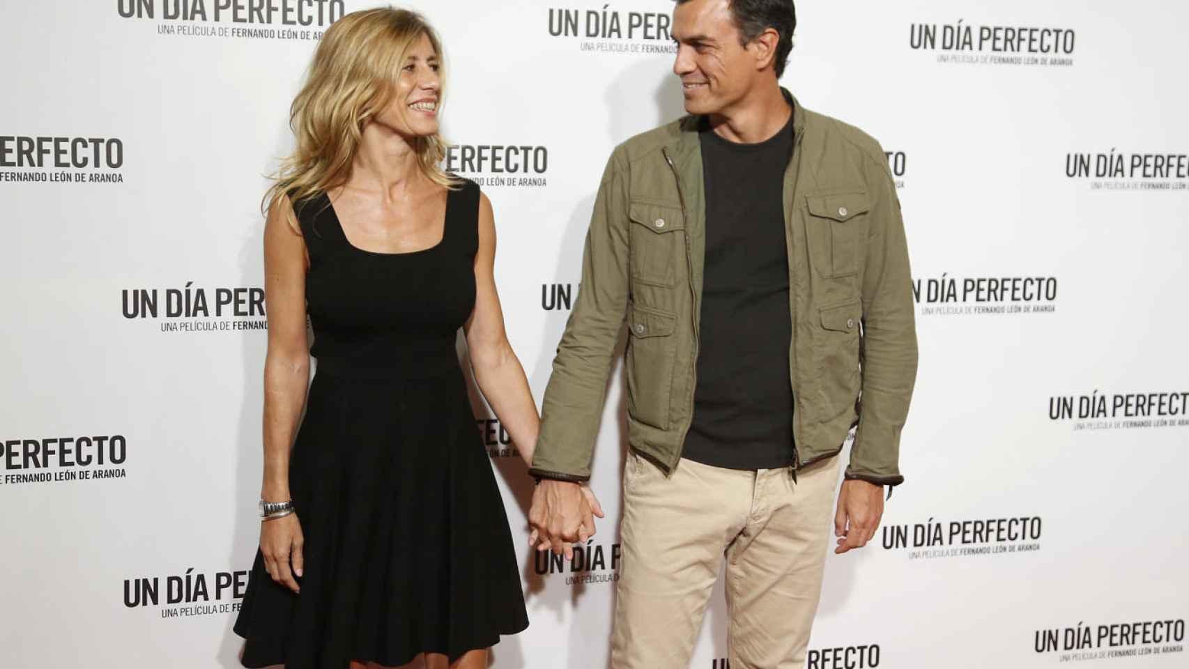 Pedro Sánchez y su mujer Begoña en el estreno de una película