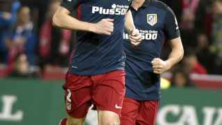 Godín celebra el gol ante el Granada. / EFE