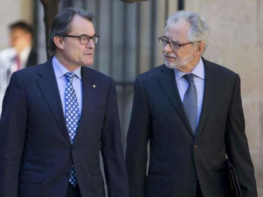 Carles Viver, junto a Artur Mas.