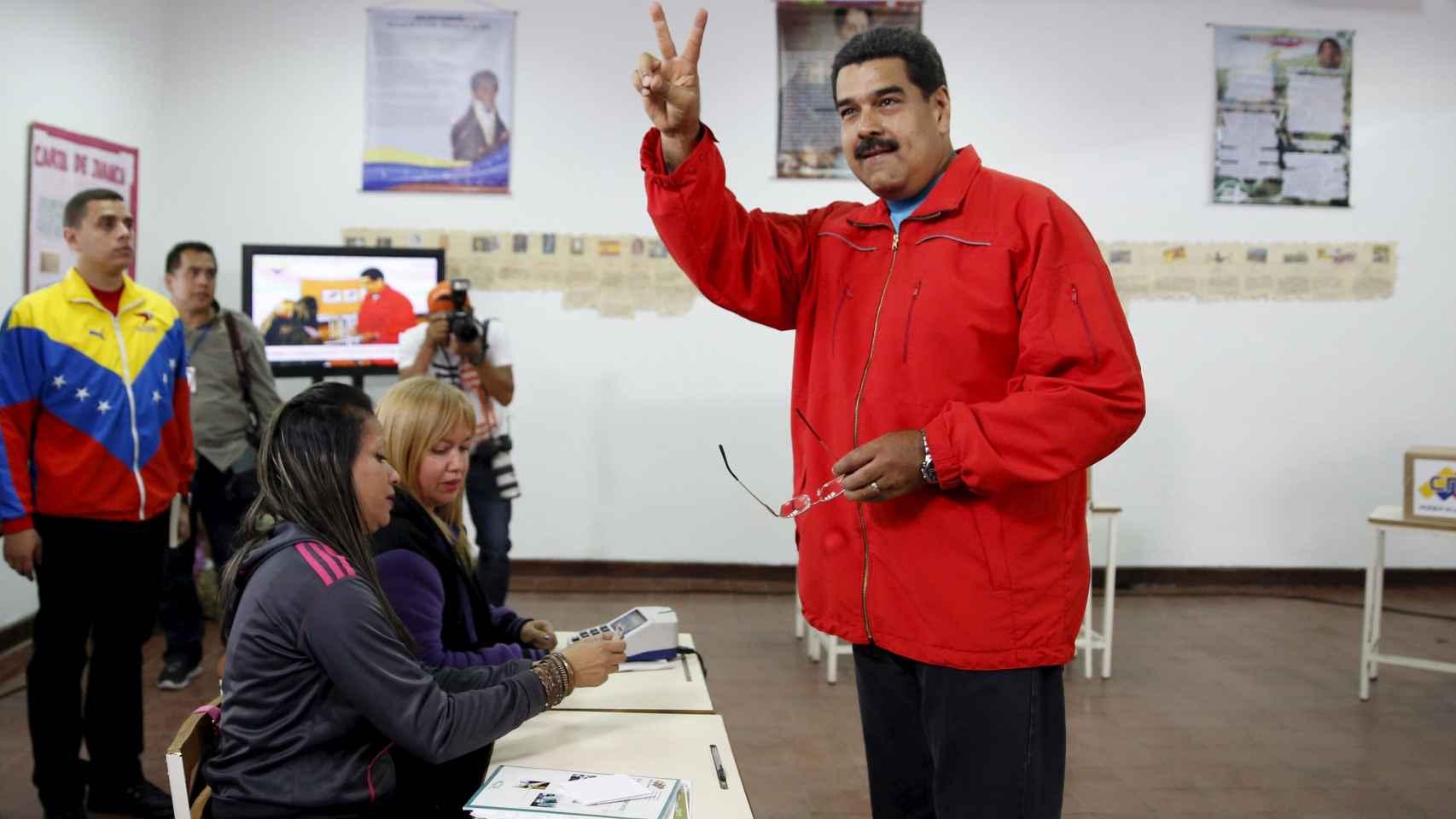 Nicolas Maduro después de votar este domingo en Caracas. Carlos Garcia Rawlins / Reuters