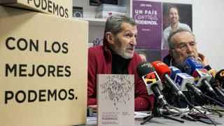 Julio Rodríguez y Pedro Arrojo, en una rueda de prensa.