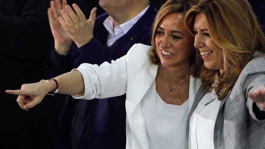 Susana Díaz y la candidata del PSC al Congreso, Carme Chacón, en Cornellá.
