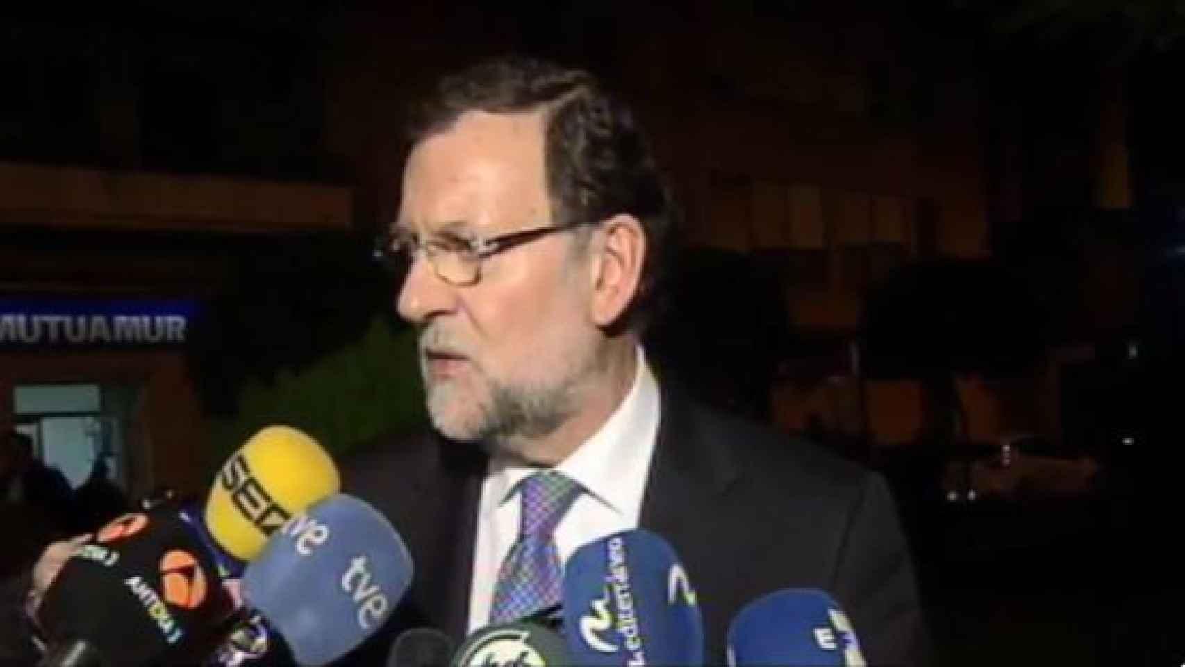 Mariano Rajoy habla a los medios.