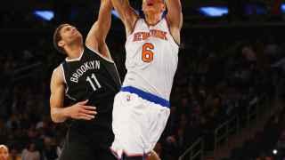 Porzingis machaca el aro ante los Nets.