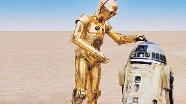 C3PO y R2-D2, en plena conversación.