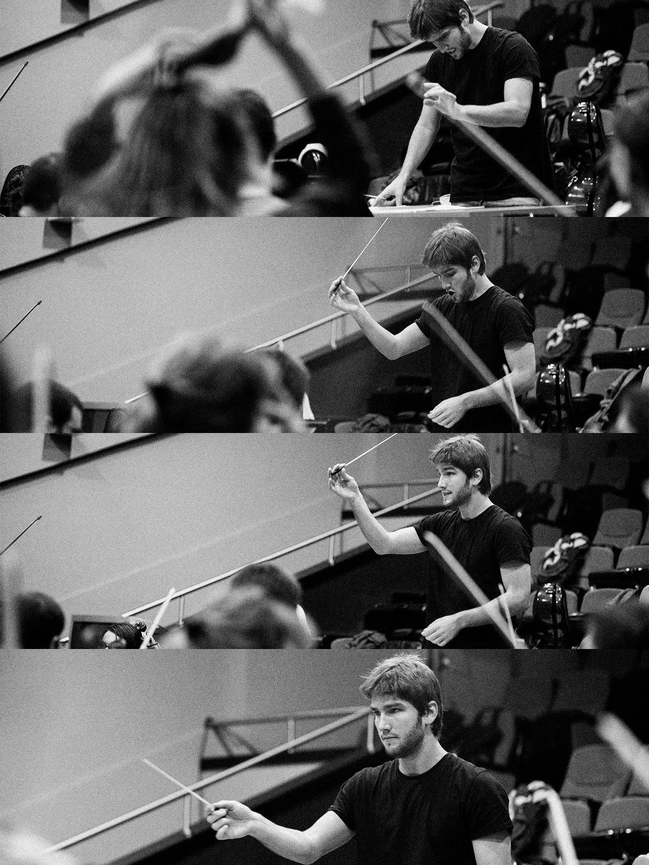 Lucas Vidal, en varios momentos de los ensayos del concierto