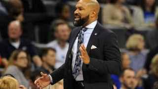 Derek Fisher, entrenador de los New York Knicks, durante un partido de la NBA.