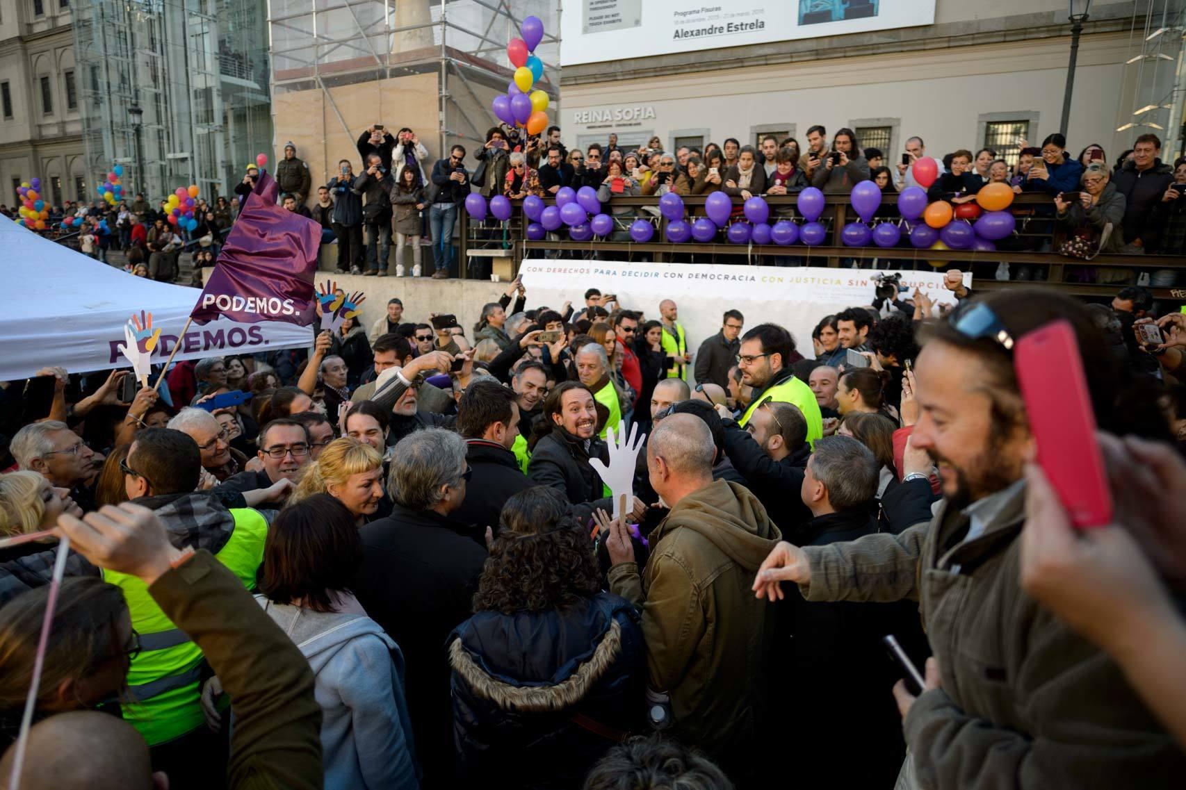 Acto de Podemos en la plaza del Museo Reina Sofía de Madrid.