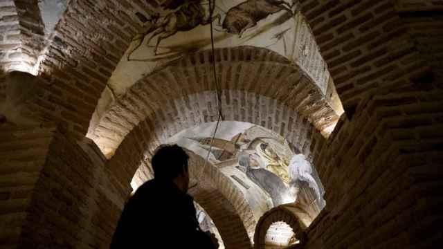 Frescos de Pirongelli en las Cuevas del Concejo (Navalcarnero).