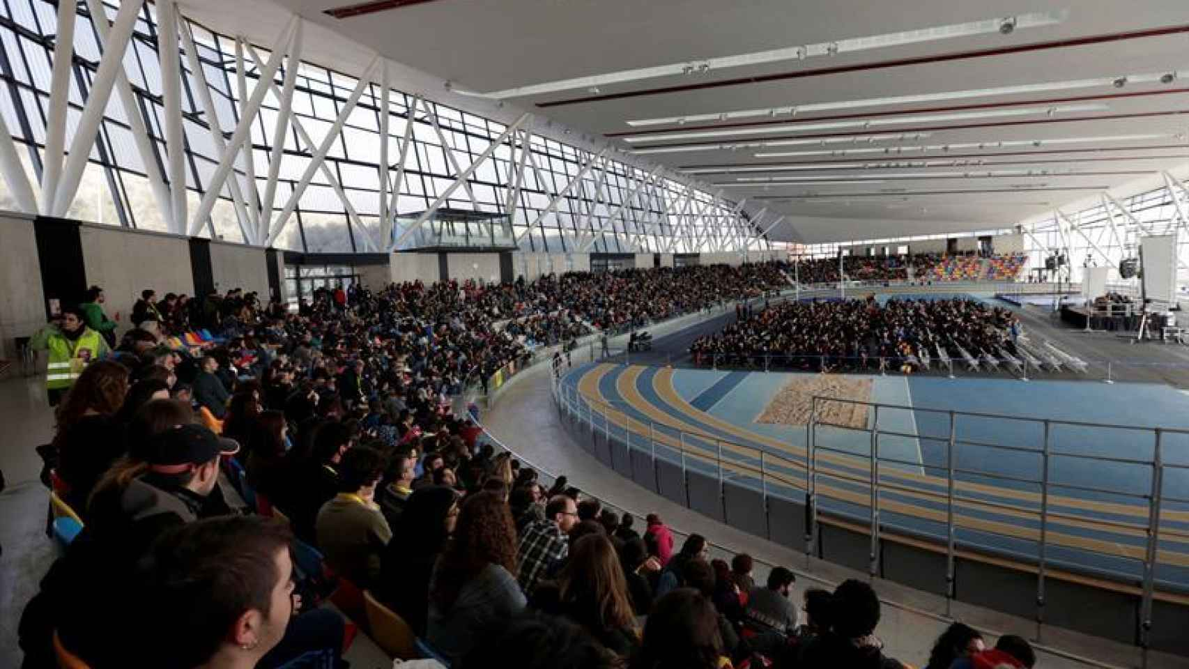 Vista panorámica de la asamblea de la CUP en Sabadell.