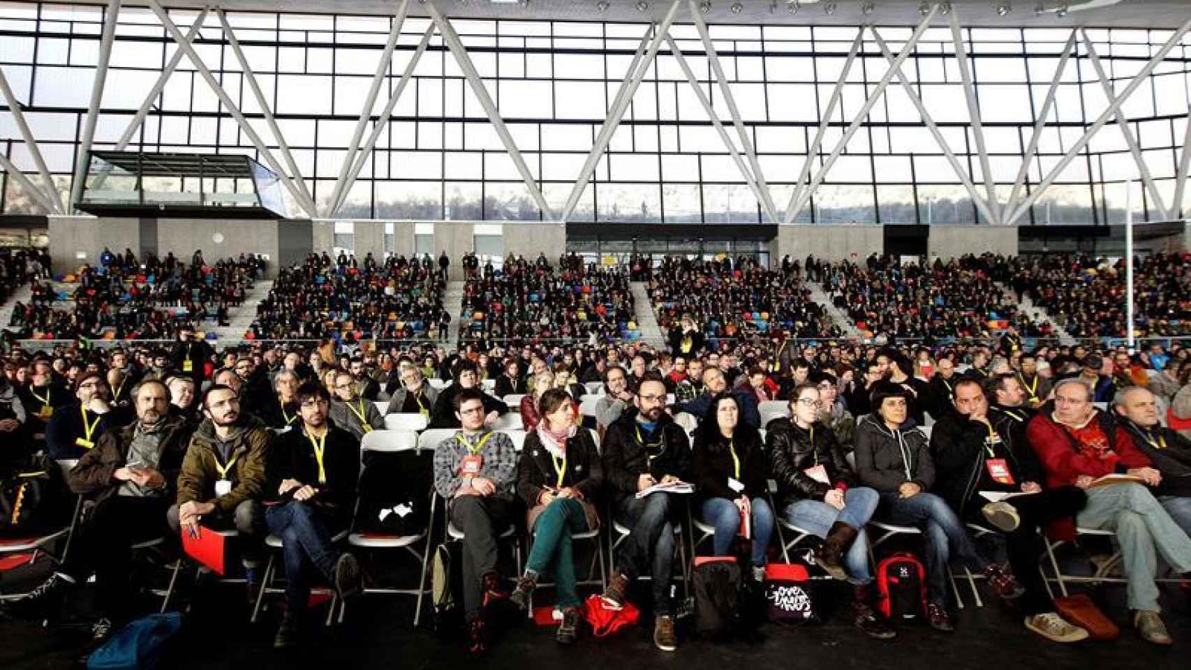 Vista general de los asistentes a la asamblea de la CUP
