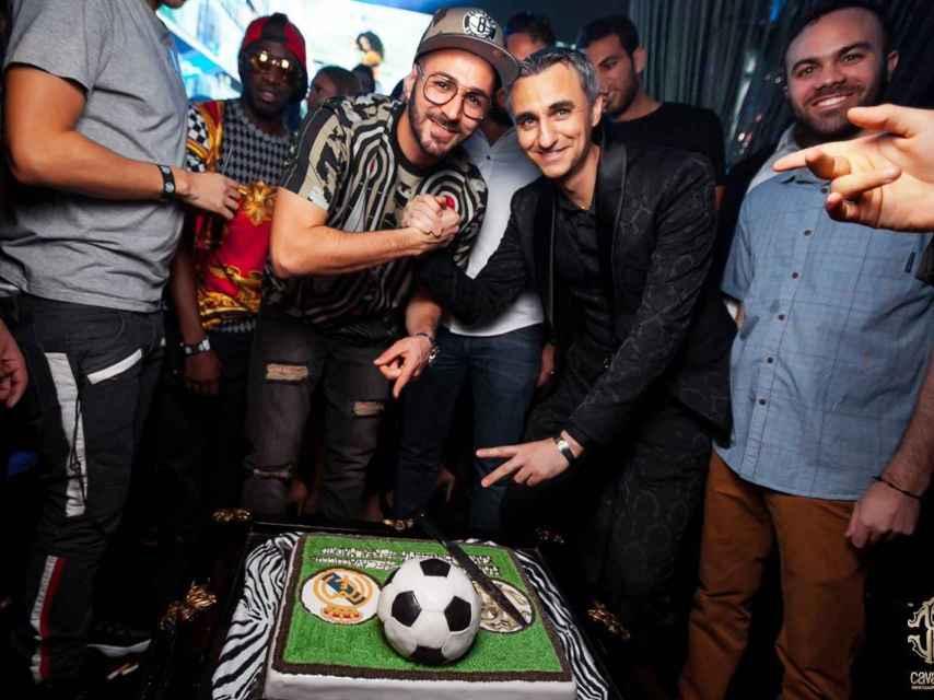 Benzema celebra su 28 cumpleaños en una discoteca de lujo en Dubai