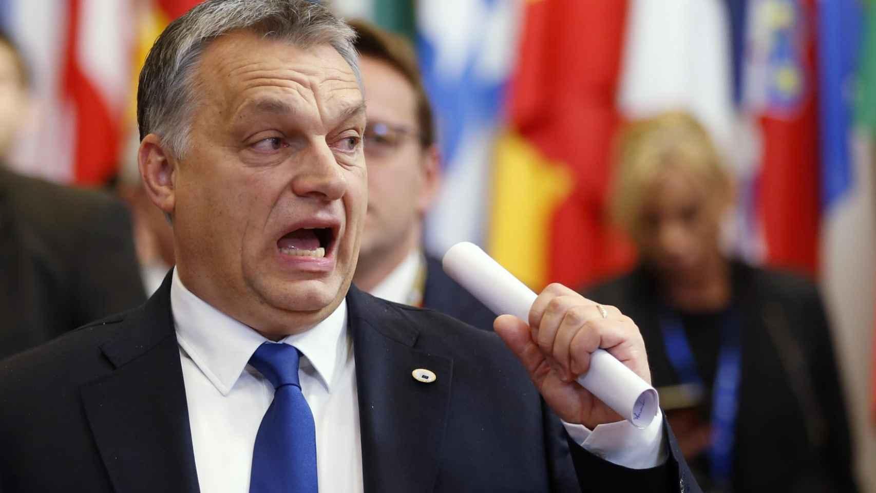 Viktor Orban durante su llegada a una cumbre de la UE, donde levanta ampollas.