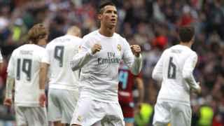 Cristiano Ronaldo celebra el primero de sus dos tantos ante la Real.