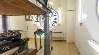 El interior del reloj de la Puerta del Sol.