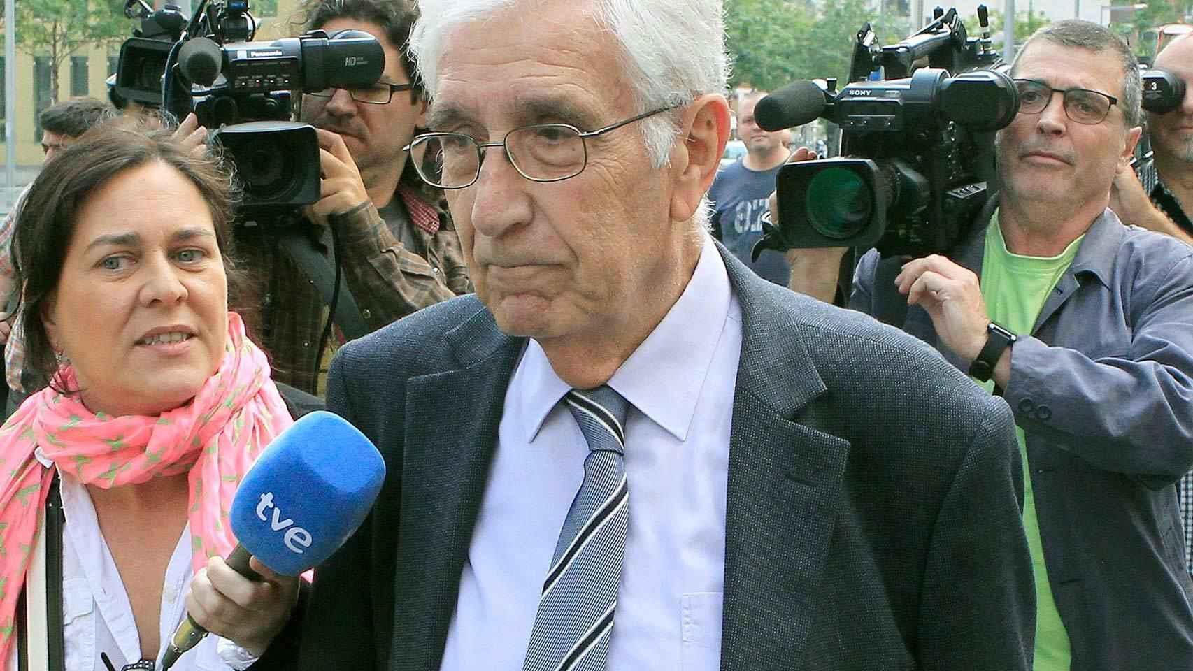 El extesorero de CDC Daniel Osàcar, a su salida de los Juzgados de Barcelona