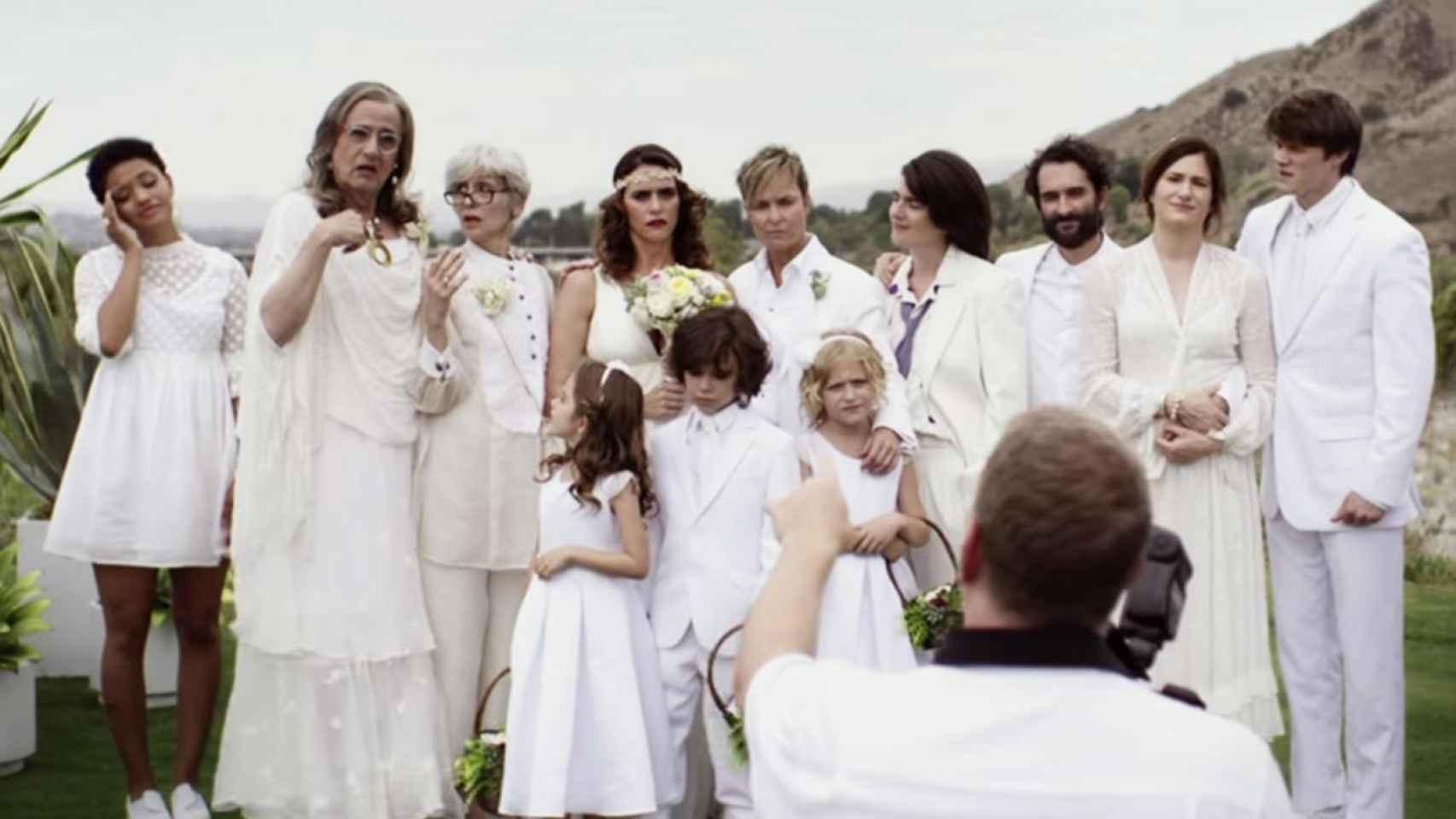 La segunda temporada empieza con la boda de Sarah.