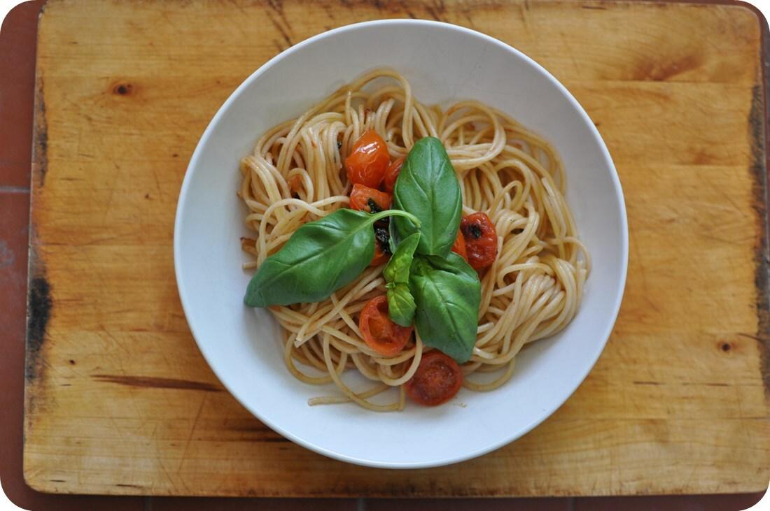 pasta-tomate-albahaca-02