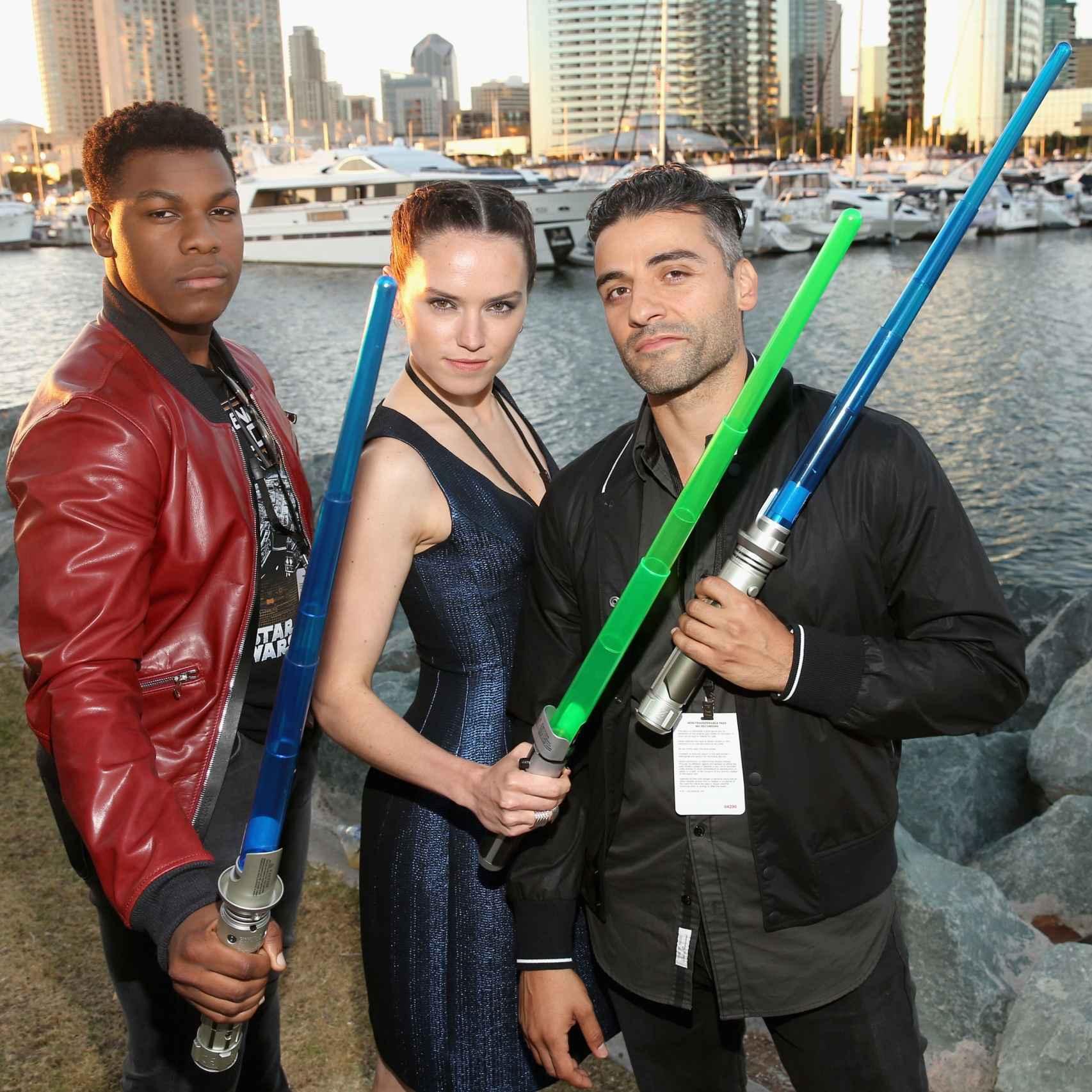 John Boyega, Daisy Ridley y Oscar Isaac, en la Comic-Con de San Diego.