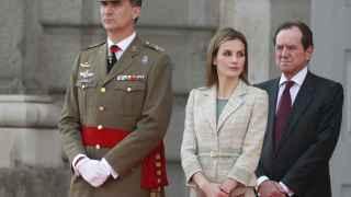 Felipe VI y la reina con Jaime Alfonsín en junio de 2014.