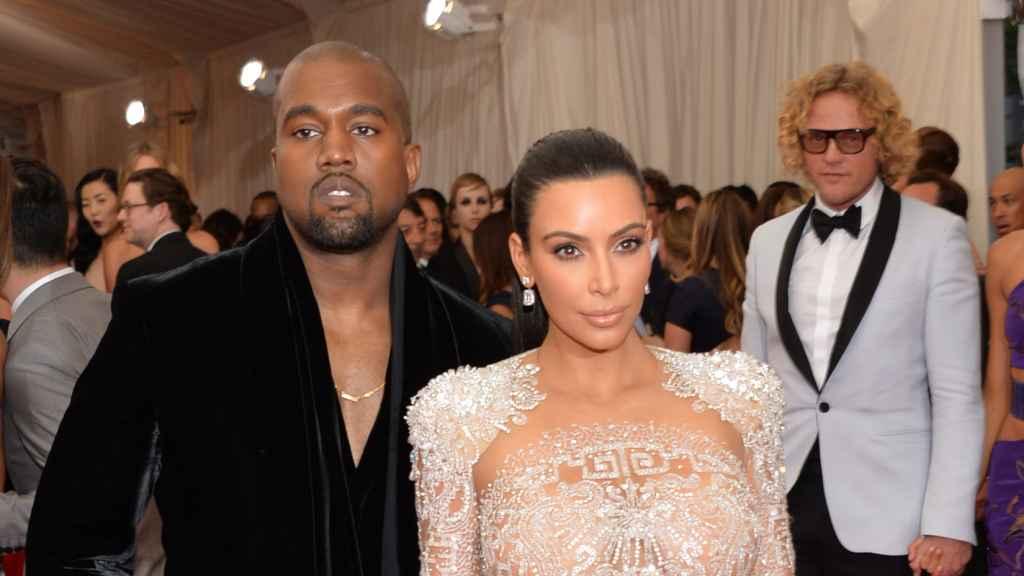 Kim Kardashian y el cantante Kanye West en la Gala del Met de Nueva York
