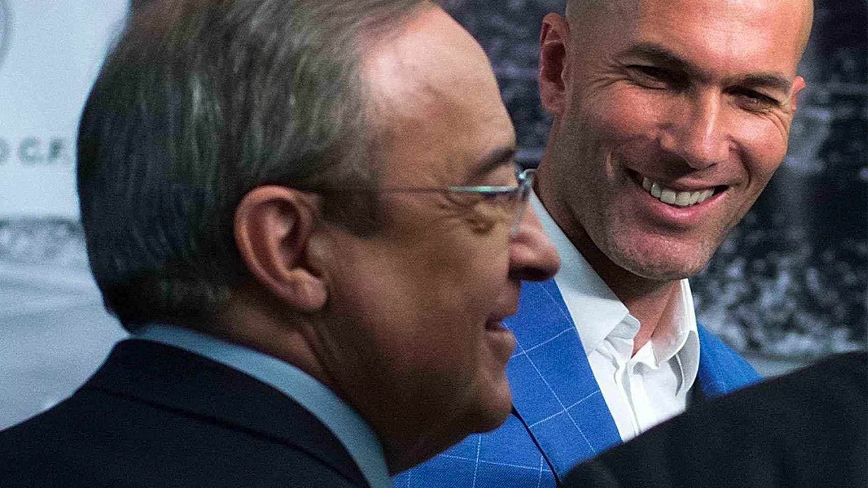 Florentino Pérez y Zidane durante la presentación del francés.