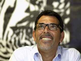 El escritor Víctor del Árbol.