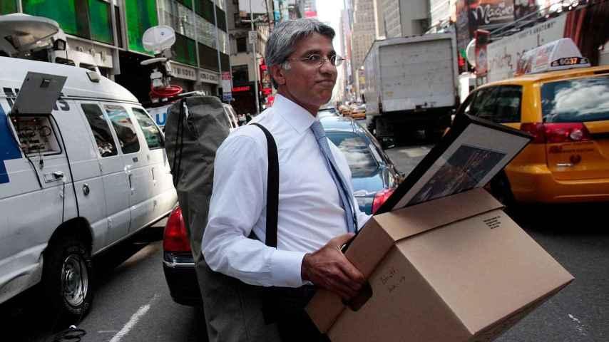 Un empleado de Lehman Brother's tras la quiebra del banco en 2008