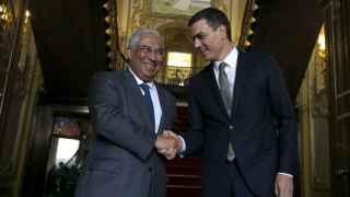 Pedro Sánchez y el primer ministro luso António Costa.